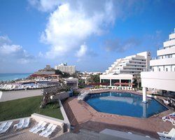 Royal Holiday Club's Park Royal Cancun Poolside View