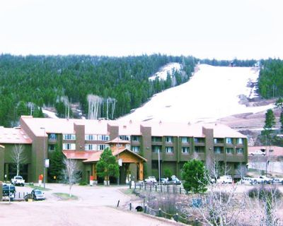 Mountain side Resorts in Angel Fire NM