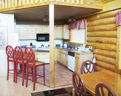 Kitchen and Dining Room great for a Family Timeshare Vacation