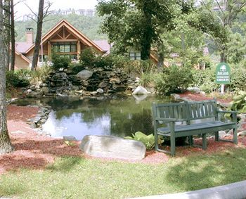 Pond At Diamond  Bent Creek Golf Village Timeshare Gatlinburg TN